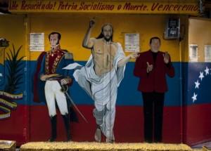 """Por suerte para los muchos y desgracia para unos pocos Chávez fue operado con éxito en La Habana. Aplicando la Real Politik Enrique Capriles no es solo un peligro para los venezolanos de """"a pie"""", sino también para la estabilidad geopolítica de la Cuenca del Caribe y Latinoamérica y para la seguridad nacional de los Estados Unidos."""