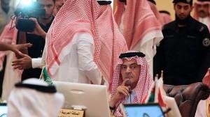 Arabia Saudita suministró armas químicas a los rebeldes sirios para que perpetraran el ataque del 21 de agosto en los suburbios de Damasco. Foto AFP / Ministro de Exteriores de Arabia Saudita en un encuentro con ministros de seis países del Golfo sobre la cuestión Siria