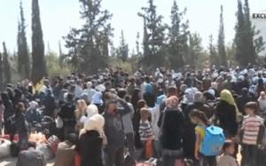 Dos meses después de que los rebeldes tomaran su localidad, 3.000 mujeres y niños a los que insurgentes usaron como escudos humanos han sido rescatados esta semana por el Ejército sirio. Conozca de cerca cómo vivieron las experiencias algunas familias.