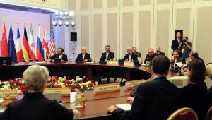 Un acuerdo entre Irán y los P-5 +1 (los cinco miembros permanentes del Consejo de Seguridad de la ONU más Alemania) fue alcanzado la noche del sábado . Los iraníes acordaron ciertas limitaciones a su programa nuclear, mientras que el P-5 +1 acordó eliminar ciertas sanciones económicas.