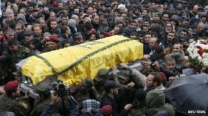 El asesinato del comandante de Hezbollah Hassan Lakkis en Beirut, este 3 de diciembre, envió ondas de choque en todo el Oriente Medio. Lakkis estaba a cargo de las armas avanzadas de planificación para el grupo militante chiíta que controla grandes áreas del Líbano.
