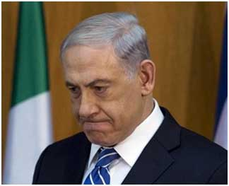 """Aleccionado por el fracaso israelí en la Guerra de Julio contra el Líbano en 2006, Benyamin Netanyahu necesitaba desesperadamente afirmar que sus objetivos se habían cumplido y, de este modo, estuvo cambiando continuamente los mismos para demostrar que la """"victoria"""" ha sido conseguida. Lo peor para él es que se ha quedado sin objetivos que declarar."""