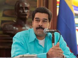 El presidente venezolano, Nicolás Maduro, ha anunció este domingo un Plan Nacional de Desarme con el objetivo de incentivar la entrega voluntaria de armas de fuego por civiles, según informa 'El Nacional'.
