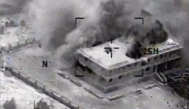 El Ministro dijo que el gobierno sirio había sido informado de antemano sobre las acciones y que agradó no estas estaban golpeando a civiles u objetivos militares sirios. Foto/Ataque aéreo sobre un objetivo yihadista en Siria, 23 de septiembre de 2014. Cortesía de AP