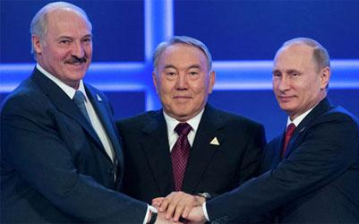 """El presidente de Rusia, Vladímir Putin, ha anunciado la firma de la ley sobre la ratificación del acuerdo para el establecimiento de la Unión Económica Euroasiática, que compondrán Rusia, Bielorrusia y Kazajistán. """"Este es un paso importante en nuestro trabajo para alcanzar la integración con nuestros socios y aliados más cercanos"""", aseguró el mandatario en una reunión con miembros del Gobierno ruso,"""