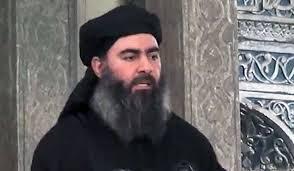 Hoy Mosul es el centro urbano más poblado bajo el gobierno directo del Estado Islámico. En julio, el líder visto rara vez del grupo, Abu Bakr al-Baghdadi, utiliza Mosul como el telón de fondo de su video de propaganda, en la que anunció la creación oficial del Estado islámico, un califato suní militante que se administra estrictamente a través de la ley sharia.