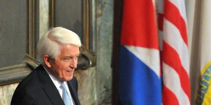 Thomas Donohue, presidente de la Cámara y su director general dijo que la medida del presidente Barack Obama el mes pasado para rehacer las relaciones EE.UU.-Cuba es bienvenida después de más de 50 años de interacciones fallidas con la nación isleña a 90 millas de .la Florida.