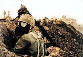 Usted probablemente sabe que, después de que Saddam Hussein invadió Irán en 1980, Irak hizo todo lo posible (con nuestra ayuda) tratando de fabricar armas químicas biológicas, químicas y nucleares, para ser utilizadas efectivamente sobre los soldados iraníes.