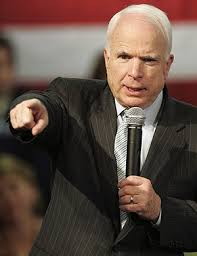 """John McCain cantando """". bomba, bomba, bomba de Irán"""""""