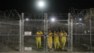 Por sus instalaciones pasaron, entre otros, nueve miembros de la cúpula de EI, de acuerdo al informe The Islamic State, de Soufan Group.