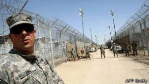 """En Camp Bucca se produjo un """"matrimonio de conveniencia"""" entre miembros del partido del fallecido líder iraquí Saddam Hussein y fundamentalistas islámicos."""