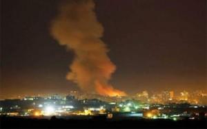 Varias explosiones masivas sacudieron la Franja de Gaza el jueves por la noche en medio de múltiples informes sobre aviones israelíes que sobrevolaban la zona. Se informa que previamente, dos cohetes fueron lanzados desde Gaza contra Israel, pero no lograron causar ningún daño.