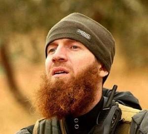 Abu Omar al-Shishani, quien es considerado uno de los principales comandantes de la organización terrorista en los últimos dos años. El comandante de 27 años de edad, al-Shishani es oriundo del enclave checheno de Pankisi en Georgia, como muchos otros que se unieron a ISIS desde el 2012.