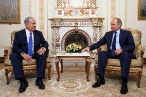 """""""Mi objetivo se resume en prevenir malentendidos entre las fuerzas militares rusas e israelíes. Hemos creado un mecanismo para evitar ese tipo de malentendidos, esto es muy importante para la seguridad de Israel"""", aseguró Netanyahu al término de la reunión."""