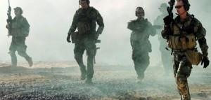 Uno de los capítulos más secretos del apoyo que las agencias de inteligencia de Estados Unidos prestan a los grupos yihadistas que tratan de derribar al régimen de Bashar al-Asad ha salido a la luz a raíz de la muerte de tres miembros de las fuerzas especiales norteamericanas en un ataque de los cazas rusos contra el Frente Al-Nusra, la rama siria de Al Qaeda.