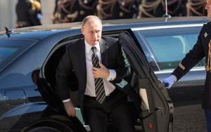 La orden de Vladimir Putin para comenzar a bombardear objetivos en Siria ha dejado a muchos expertos políticos en Washington y Londres preguntándose exactamente cual es el último objetivo estratégico de Rusia en el Oriente Medio.