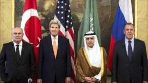 De izquierda a derecha, los jefes de las Diplomacias de Turquía, Feridun Sinirlioglu; de EE.UU., John Kerry; de Arabia Saudí, Adel al-Yubeir, y de Rusia, Serguei Lavrov, en Viena (Austria), 23 de octubre de 2015.