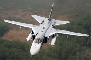 """Un avión ruso Su-24 envió una señal electrónica al barco """"desactivando todos los radares, los circuitos de control, los sistemas, la transmisión de información, etc. a bordo del destructor estadounidense. En otras palabras, el todo poderoso sistema Aegis de la OTAN, que está a punto de ser instalado como sistema de defensa en la mayoría de los buques modernos de la OTAN fue anulado por un simple avión"""".  Foto: En abril de 2014, el destructor norteamericano USS Donald Cook fue desactivado completamente durante una patrulla en el Mar Negro por un simple bombardero ruso desarmado. Foto Sukhoi Su-24"""