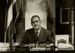 A fines de 1945, el gobierno de Washington propuso al de Cuba suscribir un convenio bilateral para convertir en permanente las bases de Camagüey, de San Julián y de San Antonio de los Baños, mediante el pago de una renta anual por ellas. El gobierno de los Estados Unidos, el propio Secretario de Estado, presionó y volvió a presionar... pero Grau no cedió y exigió la evacuación de  dichas bases y finalmente, los norteamericanos tuvieron que irse.
