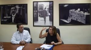 Josefina Vidal y Gustavo Machín, directora general y subdirector del Departamento de Estados Unidos del Ministerio de Relaciones Exteriores de Cuba, en conferencia de prensa hoy en La Habana. Foto: Desmond Boylan/ AP