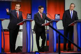 """El Comité Nacional Republicano (GOP) a pesar de que siempre tuvo, y tiene, presente la figura de Jeb Bush —por encima de otros candidatos republicanos— como su """"as bajo la manga"""" por ser el """"preferido del suprapoder oculto"""" y estar situado dentro del espectro político en la centro-derecha, tuvo que hacer la movida táctico-estratégica de hacerlo renunciar públicamente a continuar en la carrera por la presidencia estadounidense"""", tratando de protegerlo para cumplir con uno de los objetivos secundarios de este juego de ajedrez político: evitar que éste continuara en los Debates Presidenciales televisivos ofrecidos por los grandes Monopolios Mediáticos, donde además de mostrar un evidente descenso en las sondeos televisivos ante una audiencia primaria, estaba agotando su capital político frente a dos candidatos republicanos muy superiores a él en lenguaje corporal y oratoria política: Marco Rubio (un republicano """"camaleón"""", ultraconservador y vacilante) y Ted Cruz (un ultraconservador religiosos y favorito del Te Party)."""