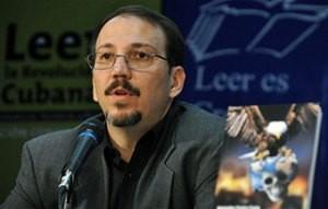 Alejandro Castro Espín, Doctor en Ciencias Políticas e investigador social comparte abiertamente sus consideraciones acerca del restablecimiento de las relaciones de Cuba-Estados Unidos, explica cómo funciona la democracia participativa cubana y ofrece su percepción sobre el futuro de Cuba.