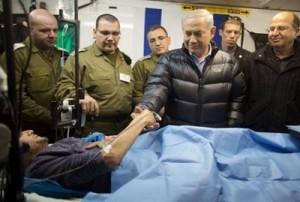 Israel proporciona asistencia médica a militantes de Al-Nusra Front, una filial de Al-Qaeda y uno de los grupos yihadistas que no forman parte del alto el fuego negociado entre Estados Unidos y Rusia en Siria