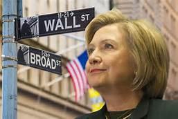 """Nos han dicho durante meses que Hillary Clinton es la gran protegida de las élites """"sionisto-iluminatis-kházaras-reptilianas-satanistas-jesuito-masónicas"""" y que malvados demonios comeniños como Soros y la familia Rothschild harían lo que fuera necesario por impedirlo. Nosotros mismos nos hemos hecho eco de algunas de esas denuncias en artículos que hemos publicado."""
