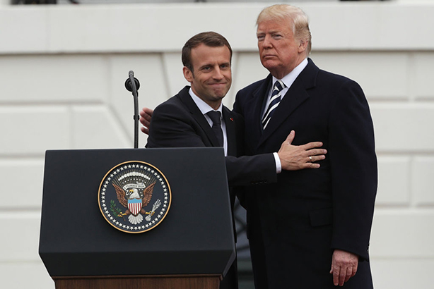 Francia: Macron se alinea con los mulás de Irán
