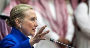 Clinton expresó sus dudas acerca de si Irán tiene la intención de negociar una solución. | Foto AP