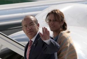 """El presidente de México, Felipe Calderón, condenó este jueves el """"bloqueo injustificado"""" que Estados Unidos mantiene sobre Cuba desde hace medio siglo, al culminar una visita a la isla que marcó el deshielo en las relaciones bilaterales después de una década, reporta AFP"""