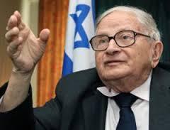 """Preguntado por el entrevistador por qué creía que Washington había renegado la supuesta oferta, Eitan dijo que los estadounidenses mostraban """"un deseo de venganza- queriendo decir: """"que Israel era considerado un país amable y mira lo que hiciste. Así que ahora te lo vamos a  mostrar """"."""
