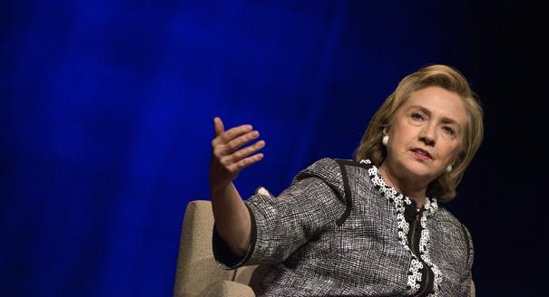 Hillary Clinton sigue ostentando el liderazgo demócrata en la carrera para el 2016, pero su ventaja podría haber retrasos en New Hampshire, según una nueva encuesta. Foto: Cortesía de AP