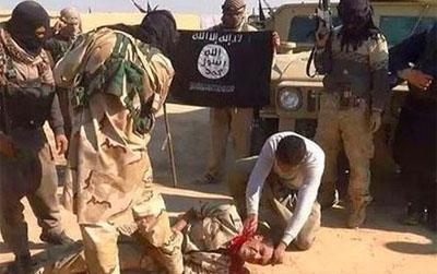 El llamado Estado Islámico (EI) o enésima forma de la hidra yihadista financiada desde sus comienzos por Arabia Saudí y Emiratos Árabes , declaró el Califato Islámico de Sham con Abu Bakr al-Baghdadi como emir y con capital en Mosul, que abarcaría desde la parte ocupada de Siria (Alepo) a las ciudades suníes de Ramadi, Faluya, Mosul, Tal Afar y Baquba ( triángulo suní), pero tras una intensa campaña mediática de denuncia en la mass media occidental de sus execrables asesinatos, habría provocado la reacción de Obama en forma de ataques aéreos masivos contra los feudos del EI en Irak y Siria.