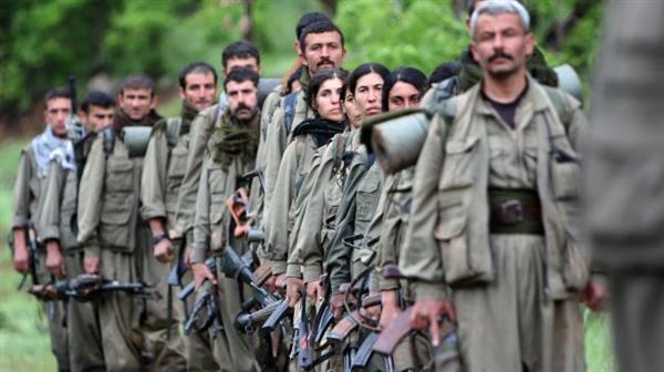 """""""Actualmente los 'peshmergas' y las fuerzas iraquíes están avanzando continuamente y solo 10 kilómetros les separan de la base principal del Estado Islámico en el oeste de Khurmatu"""", dijo Abdulkarim citado por BasNews."""