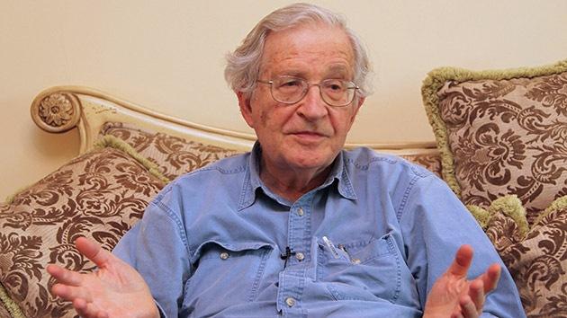 """Estados Unidos es """"el estado terrorista número uno"""" si se tienen en cuenta sus mortíferas operaciones dirigidas por la CIA en países como Nicaragua y Cuba, denuncia el historiador y filósofo social Noam Chomsky en un nuevo artículo de opinión.Foto Cortesia de  © REUTERS Majed Jaber"""