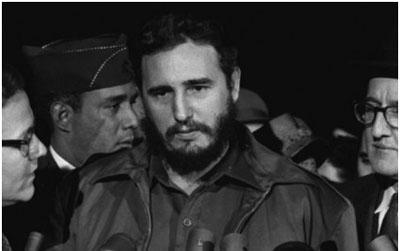 Pero como la realidad de otras épocas supera la ficción, el plan para matar al líder norcoreano evoca hechos de fines de la década del 60 y del 70, cuando agentes de los servicios de inteligencia de Estados Unidos hicieron varios intentos de asesinar al líder cubano Fidel Castro, como la contratación de sicarios de la mafia siciliana.