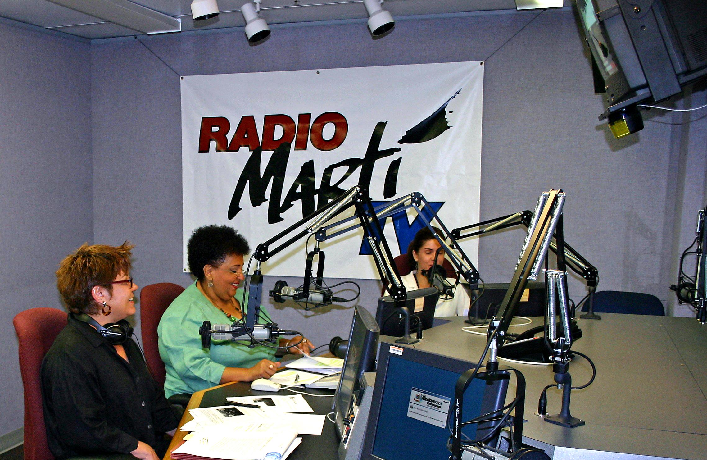La Junta de Gobernadores de Radiodifusión propone la creación de una nueva organización privada que llevará a cabo los programas de la BBG en América Latina y el Caribe, incluyendo Cuba.