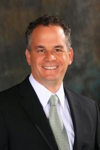 La mejor pagados empleado en la Oficina de Transmisiones a Cuba en 2012 era el director, Carlos A. García-Pérez, quien ganó $ 170.000.