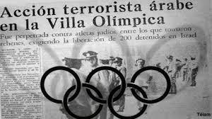 Tome los Juegos Olímpicos de 1972 como un ejemplo particularmente horripilante. El 5 de septiembre de ese año, ocho terroristas palestinos de la Organización Septiembre Negro llevaron a cabo un ataque espectacular en Munich, en última instancia, mataron a 11 atletas israelíes.