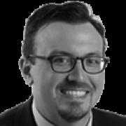 Mike DeBonis cubre el Congreso y la política nacional para el diario The Washington Post. Cubrió previamente la política de DC y el gobierno 2007-2015.