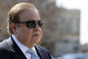 Menéndez - cabildeó altos con funcionarios del Departamento de Salud y Servicios Humanos para ayudar a lidiar Melgen con el problema de facturación de Medicare.