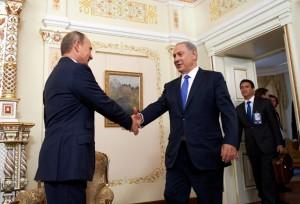 El PM de Israel, Benjamín Netanyahu se reunió este lunes con el Presidente de Rusia, Vladimir Putin con el objetivo de conversar acerca del aumento de la presencia militar rusa en Siria.