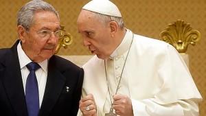 El Vaticano dijo el jueves que espera que el viaje del Papa Francisco a Cuba ayude a poner fin a un embargo de Estados Unidos contra la isla que ya lleva 53 años, y que dé pie a más libertad y derechos humanos en el país caribeño.