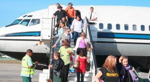 500 mil cubanos residentes en los EEUU viajan a la isla cada año pero el periódico Sun Sentinel se da cuenta ahora que no son perseguidos políticos. Foto: Raquel Pérez Díaz