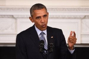 """Codigoabierto360.com. El presidente de los EE.UU. —Barack H Obama— decide, unilateralmente y de forma pública desplegar fuerza militares en contra de la voluntad de Damasco —en una muestra evidente de """"un acto de guerra"""" contra el Estado soberano de Siria quien no nos han invitado a intervenir oficialmente . Hagamos un poco de historia: Como parte del Proyecto para el rediseño geopolítico y geoestratégico en el Medio Oriente (Medio Oriente Ampliado)  — elaborado por Ralph Peters, Coronel USA, en el año 2001 y publicado en la revista Parameters de las fuerzas terrestres estadounidenses— EE.UU. conjuntamente con  los Estados de Francia, Inglaterra, Turquía, Qatar, Arabia Saudí, Emiratos e Israel a través de sus operativos regionales de Servicios Especiales comenzaría a desarrollar escalonadamente toda una serie de Operaciones Psicológicas (OPSIS/OPSIC) —de Guerra de Cuarta Generacion con vista a la creación de matrices de opinión pública favorables a este Proyecto— que incluían inicialmente el derrocamiento  del régimen de Saddam Hussein en Irak para continuar con el objetivo táctico-estratégico- en la región mediante una OPSIS conocida por """"La Primavera Árabe"""" —cuyo eje principal de esta OPSIS seria """"La Hermandad Musulmana"""" y su operativo principal el Presidente Mohamed Mursi, ciudadano norteamericano— esta OPSIS serian desarrollada paralelamente con una serie de Operaciones de Falsa Bandera y Operaciones Negra (Black Ops.) cuyo musculo ejecutor   la integrarían las fuerza yihadistas sunníes de al Quaeda y de la ex Guardia Republicana de Irak —actores operativos fundamentales en el derrocamiento y asesinato de Muamar Gadafi en Libia. Solo restaba entonces derrotar a  Bashar al-Assad presidente de la República Árabe de Siria —un país soberano, con un gobierno elegido por su pueblo y quien hasta la fecha no había manifestado hostilidad hacia el gobierno e intereses estadounidenses por lo que el escenario de la guerra asimétrica yihadistas se desplazo hacia Siria dando """