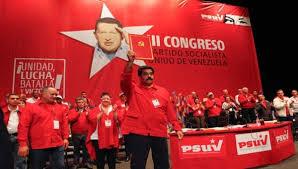 """Si Nicolás Maduro y el PSUV no entiende que están en una etapa decisiva y crucial para la vigencia de su modelo, y que de no aplicar las famosas """"Tres R"""": revisión, rectificación y reimpulso que una vez manifestara Hugo Chávez, (líder con más talento y capacidad de maniobra) y el contratar a profesionales y expertos en la Ciencia y el Arte de los Juegos de Poder Político que al menos intente ayudarlos a retomar el poder —en esta ocasión los de sus adversarios mostraron ser mejores—pueden sentarse a esperar ver pasar por delante de ellos a la República Bolivariana de Venezuela en camino de retorno al capitalismo neoliberal."""