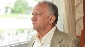 """Edgerton Ivor Levy, el """"Agente Ariel""""  reclutado por la Direcci☻n de Inteligencia (DI) de la República de Cuba, al desembarcar en Cayo Hueso, proveniente de La Habana, de inmediato solicito a Arturo Cobo —Presidente del Hogar de Transito para los Refugiados cubanos —miembro de la Brigada de Asalto 2506 que desembarcaría en 1961 por Playa Girón y destacado activista del exilio histórico cubanoamericano del Sur de la Florida— el establecer de inmediato contacto con un agente del FBI. Lo demás es historia conocida"""