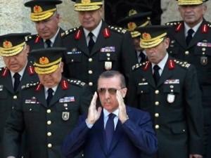 Washington y Moscú están colaborando para desarrollar la fuerza militar de los kurdos en Siria, supuestamente contra el Emirato Islámico, en realidad contra el presidente turco Erdogan, de quien los dos Grandes esperan deshacerse.