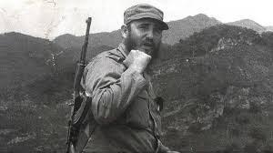 Fidel Castro, líder de la Revolución cubana, falleció este 25 de noviembre en su país natal. Curiosamente, el revolucionario sobrevivió, de acuerdo con los datos de distintos servicios de inteligencia, a 638 intentos de asesinato, aunque solo alrededor de 150 llegaron a ejecutarse.